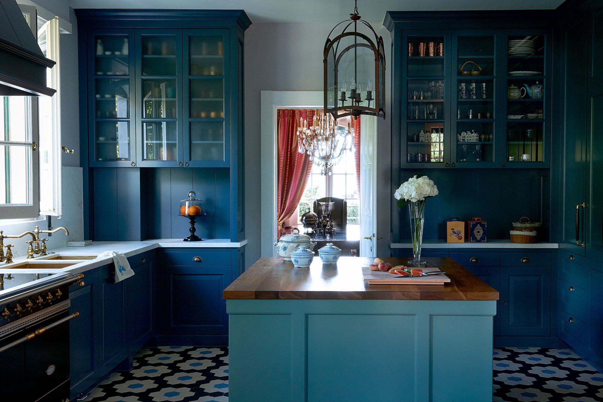 stock dutch interior design blue kitchen