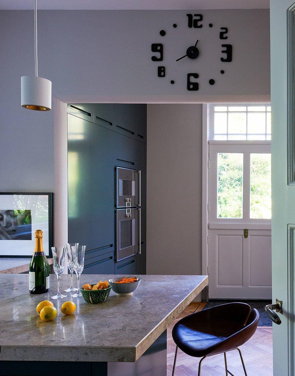 dutch interior design blue kitchen