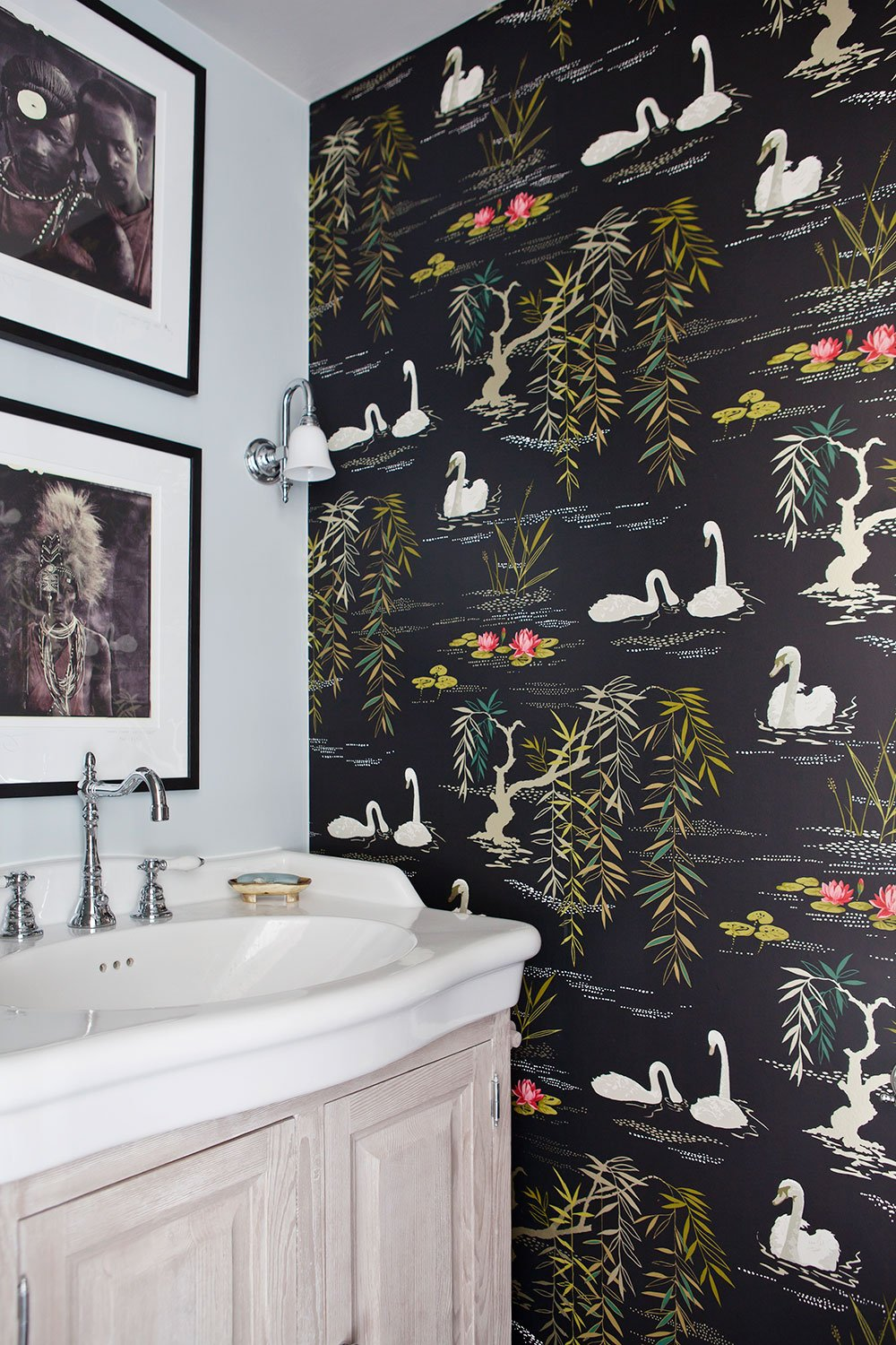 dutch interior design bathroom wallpaper