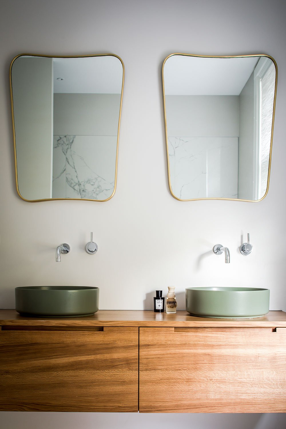 dutch interior design bathroom marble gold mirror