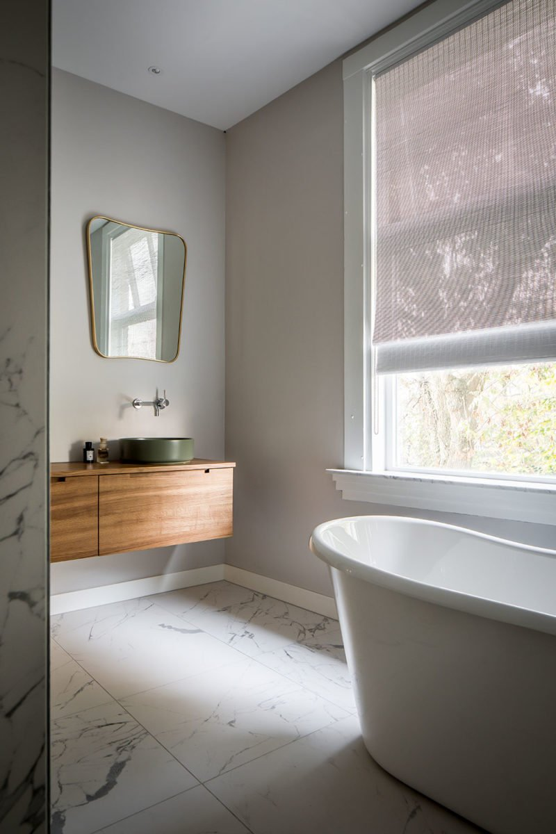 dutch interior design marble bathroom bathtub