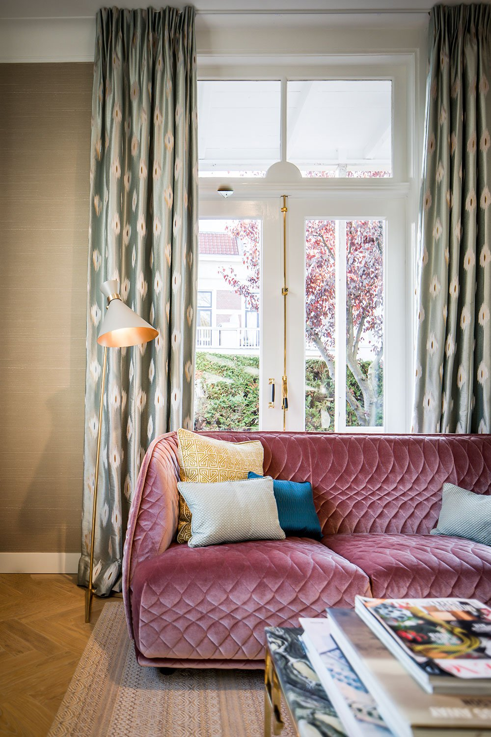 dutch interior design pink couch