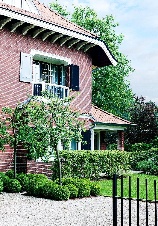 beautiful photo of a maison